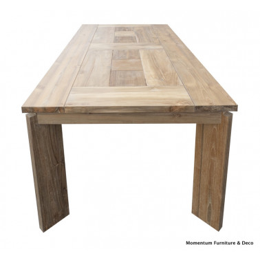 STREAMLINE | Dining table